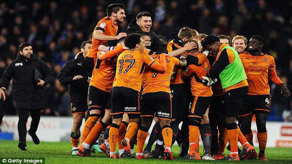 Xác định câu lạc bộ đầu tiên lên hạng tại Premier League